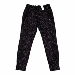 American Eagle Outfitters Black Camo Jogger Pants